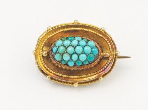 A VICTORIAN TURQUOISE BROOCH