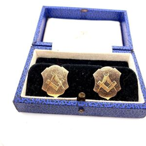 A PAIR OF ANTIQUE MASONIC CUFFLINKS