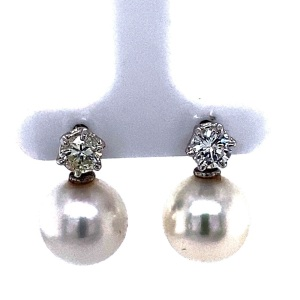 A PAIR OF SOUTH SEA PEARL AND CONVERTIBLE DIAMOND STUDS